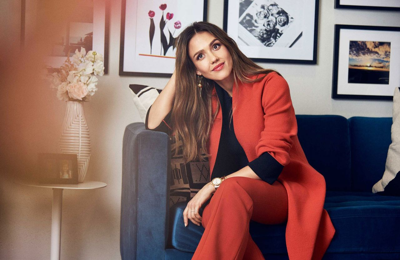 """Jessica Alba - Newest Office for The Honest Company """"Architectural Digest"""" 2017"""