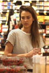 Jessica Alba - Shopping in Beverly Hills 4/9/2017