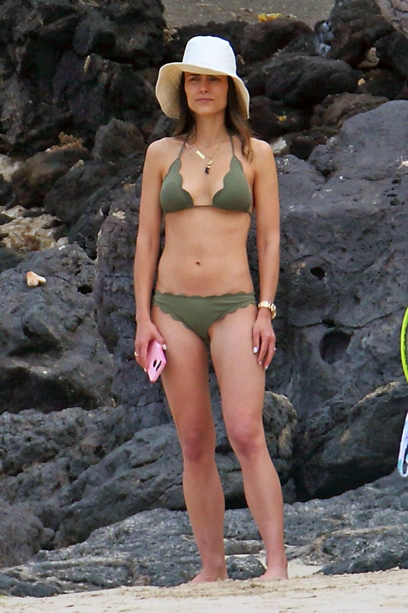 Jordana Brewster In Bikini Hawaii 4 7 2017