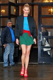 Karlie Kloss Arriving at Good Morning America 4/21/2017