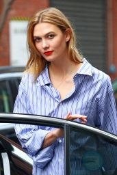 Karlie Kloss Showing Off Her Trendy Style - NYC 4/20/2017