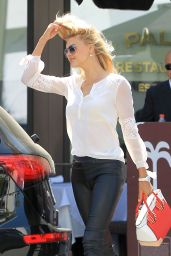 Kelly Rohrbach - Out for Lunch in Beverly Hills 4/19/2017