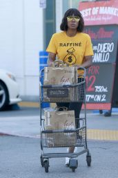 Kelly Rowland - Shops For Groceries at Bristol Farms in LA 4/20/2017