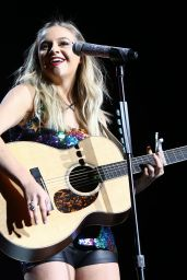 Kelsea Ballerini Performing at ACM Party For a Cause at the T-Mobile Arena in Las Vegas 4/1/2017