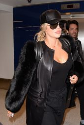 Khloe Kardashian Arriving at Los Angeles Airport, March 2017