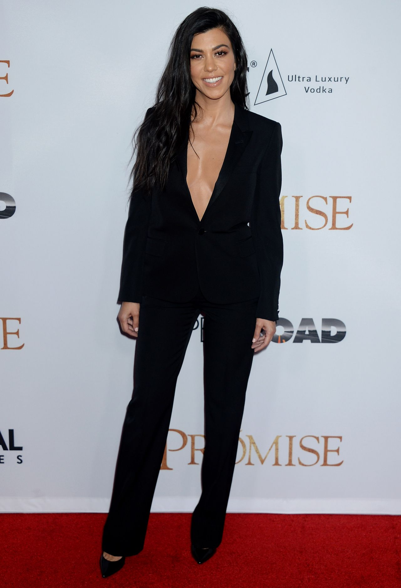 Kourtney Kardashian Quot The Promise Quot Premiere In Los