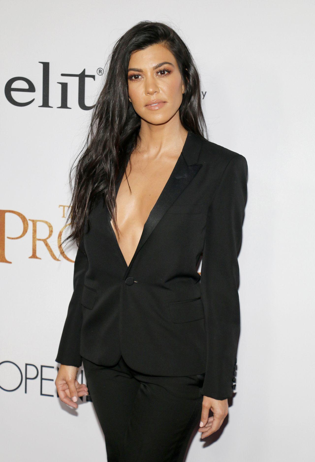 Kourtney Kardashian Quot The Promise Quot Premiere In Los