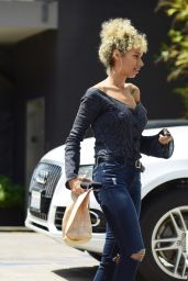 Leona Lewis Picking Up Lunch To-Go - Los Angeles 4/7/2017