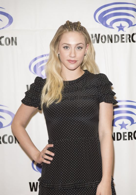 "Lili Reinhart at ""Riverdale"" Press Room at WonderCon in Anaheim 3/31/2017"