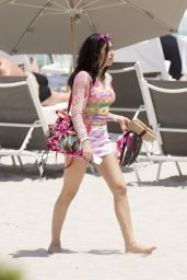 Lourdes Leon in a Pink Bikini - Beach in Miami 4/10/2017