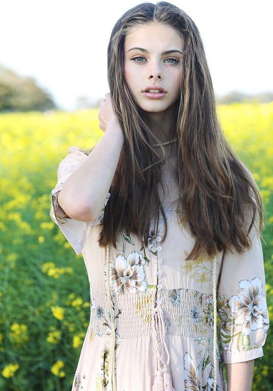 Meika Woollard Social Media Pics 4/14/2017
