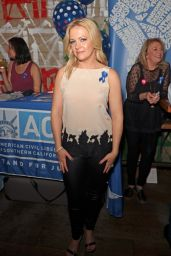 """Melissa Joan Hart - """"Shelter For All"""" Campaign Event in Los Angeles 4/20/2017"""