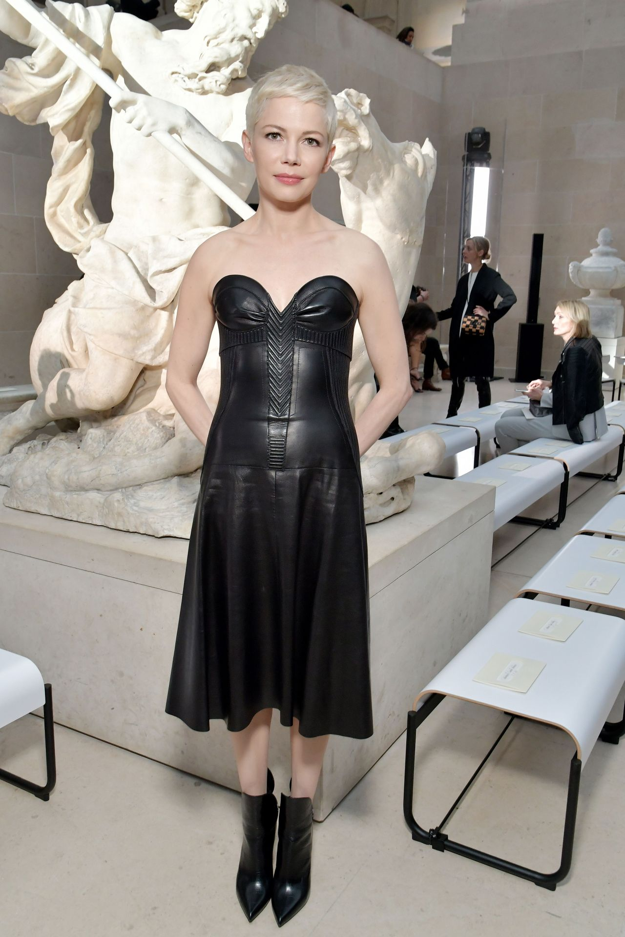 Michelle Williams At Louis Vuitton Dinner Party Louvre In Paris 11