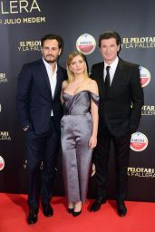 "Miriam Giovanelli on Red Carpet – ""El Pelotari y La Fallera"" Premiere in Madrid"