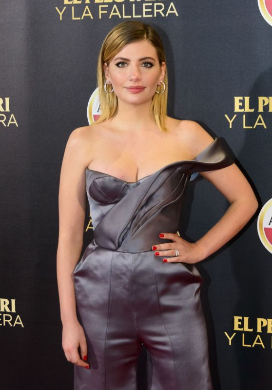 "Miriam Giovanelli on Red Carpet – ""El Pelotari y La Fallera"" Premiere in Madrid"