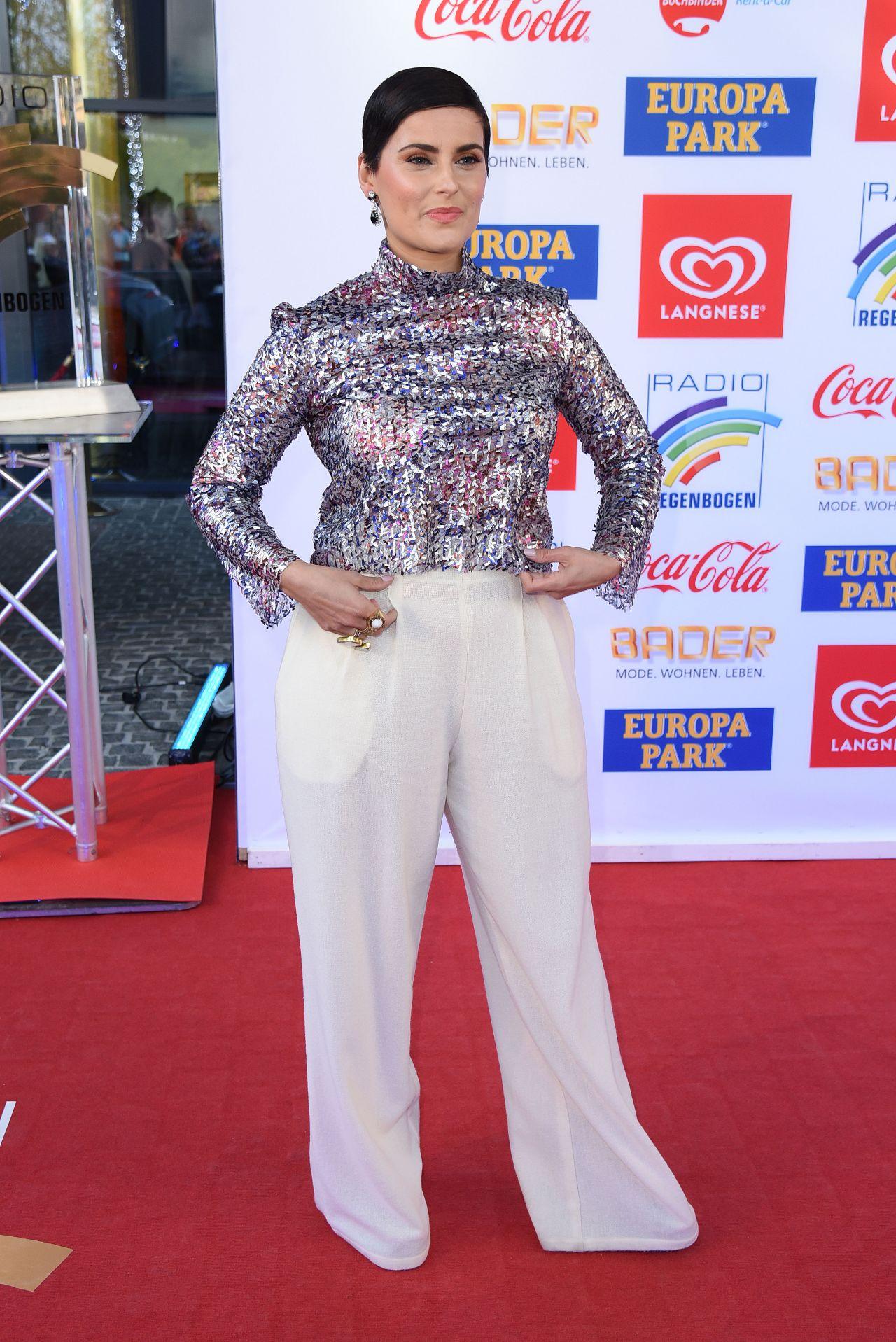 Lisa Mitchell (actress),Urwa Hocane Erotic nude Sajal Ali,Anne Bancroft