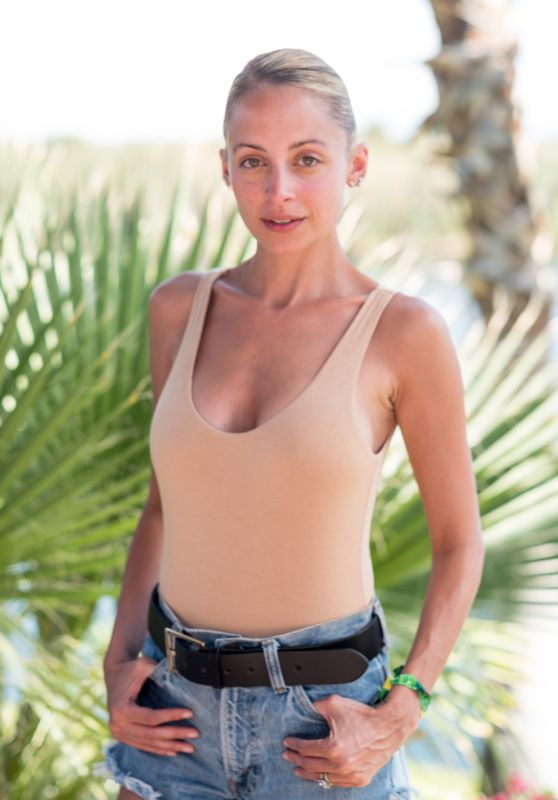 Nicole Richie – REVOLVE festival at Coachella in Palm Springs 4/15/2017