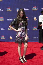 Nikki Hahn – Radio Disney Music Awards in Los Angeles 04/29/2017