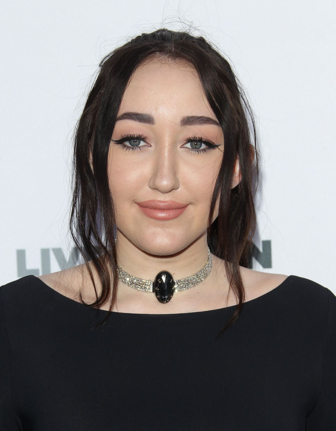 Noah Cyrus – 'To the Rescue!' Gala in Hollywood 4/22/2017