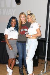 Paris Hilton - Benefit DJ Set at Equinox for The OM Felixfoundation in Los Angeles 4/12/2017