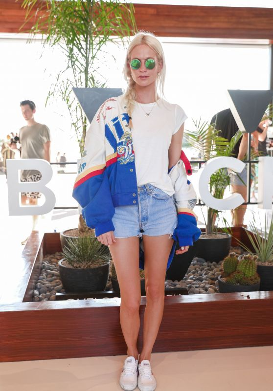 Poppy Delevingne – Velocity and 1 Oak + Up&Down Present The Desert Beach Club, Coachella 2017