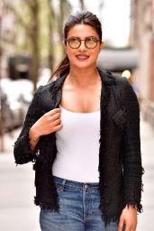 Priyanka Chopra - Leaves abc