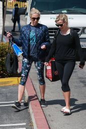 Reese Witherspoon Enjoying a Morning Yoga Class in Brentwood 4/10/2017