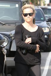 Reese Witherspoon in Spandex - Leaving a Yoga Class in LA 4/7/2017