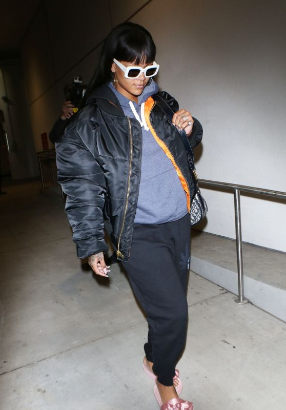 Rihanna - Catching a Flight Out of LAX Airport 4/19/2017