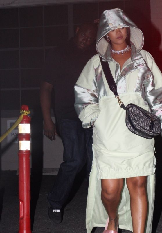 Rihanna - Leaves Fenty PopUp Shop in Hollywood 4/18/2017