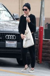 Rooney Mara - Grocery Shopping at Lassens Market in Los Feliz 4/6/2017