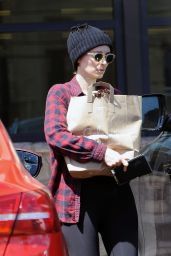 Rooney Mara Street Style - Picks up Some Groceries in Los Feliz, CA 4/18/2017