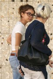Sarah Hyland in Ripped Jeans - Visiting a Medical Building in Beverly Hills 3/31/2017