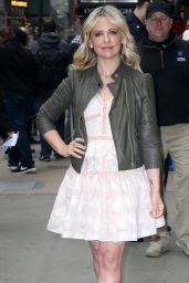 Sarah Michelle Gellar Cute Outfit - at