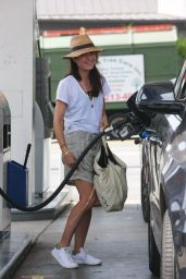 Selma Blair at a Gas Station in Los Angeles, April 2017