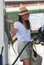 Selma Blair at a Gas Station in Los Angeles, April 2017