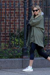 Sienna Miller Walks to Breakfast in New York City 4/8/2017