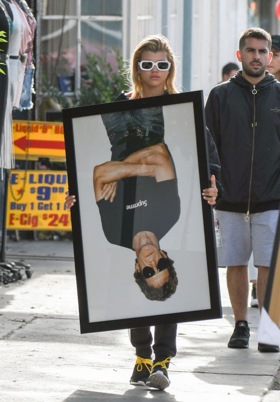 Sofia Richie - Holds Framed Photograph of Lou Reed, Los Angeles 04/24/2017
