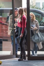 Sophie Turner - Arrives at Her Hotel in Berlin 04/26/2017