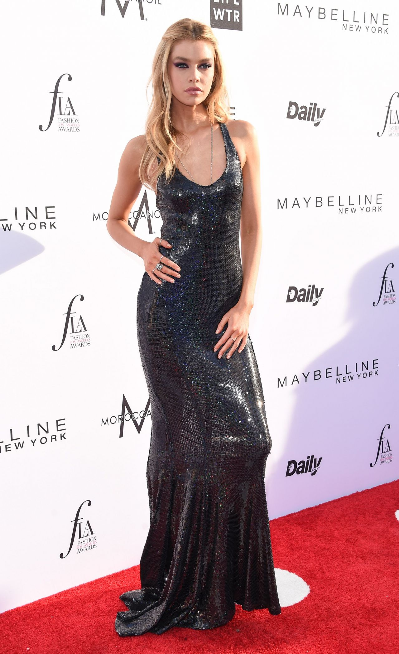 Stella Maxwell On Red Carpet At Daily Front Row S Fashion