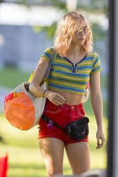 """Suki Waterhouse Filming """"Assassination Nation"""" in New Orleans 4/3/2017"""