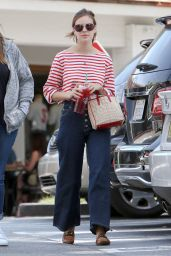 Tallulah Willis - Stop by Starbucks in Bel-Air, CA 4/11/2017