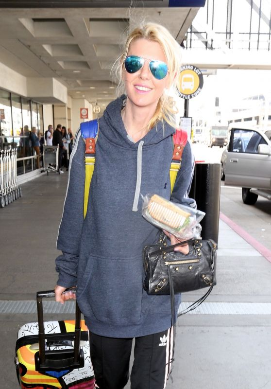 Tara Reid Travel Style - LAX in Los Angeles 4/3/2017