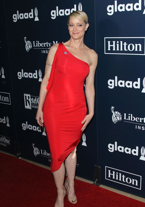 Teri Polo at GLAAD Media Awards 2017 in Los Angeles