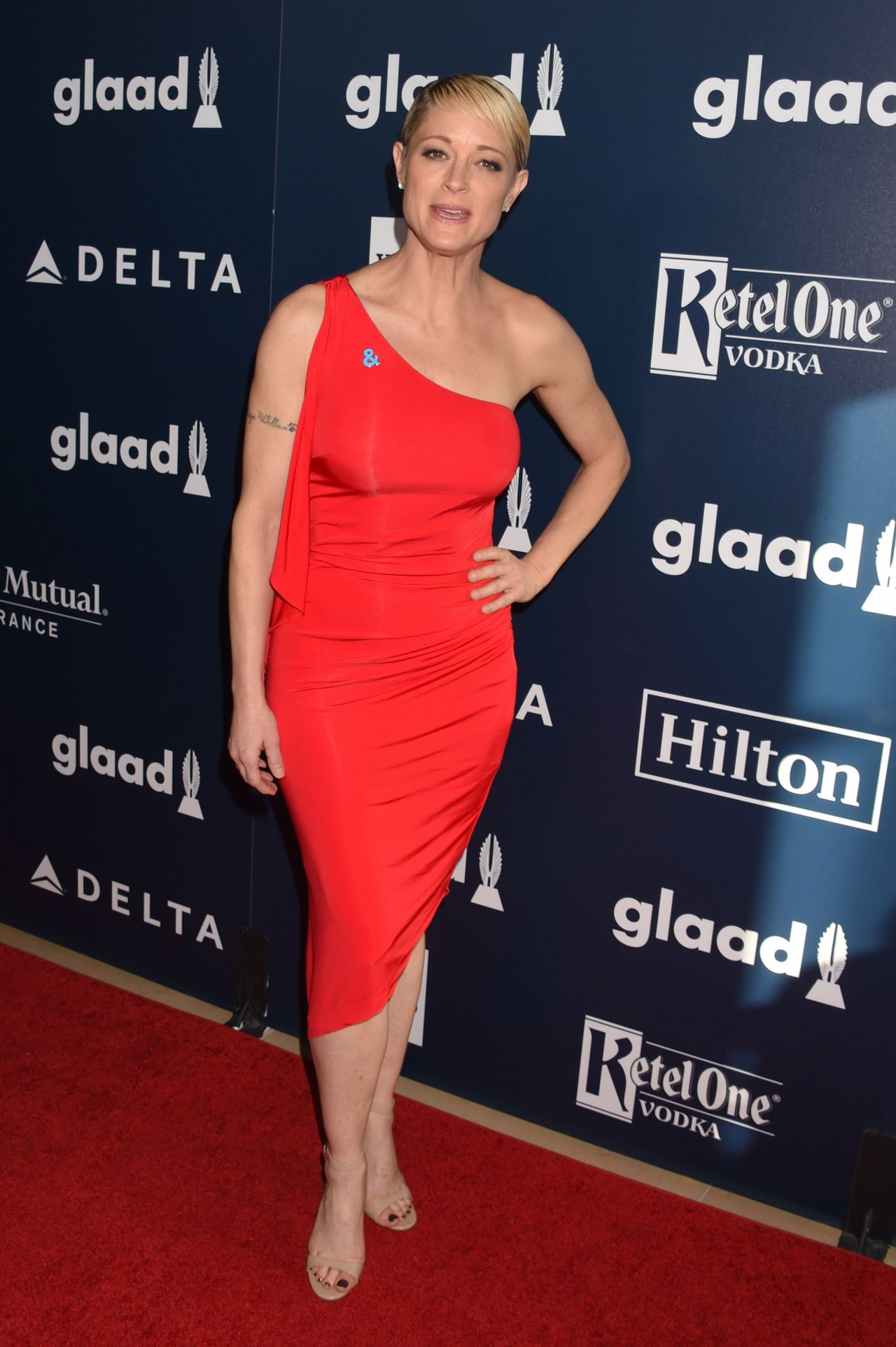 teri polo at glaad media awards 2017 in los angeles. Black Bedroom Furniture Sets. Home Design Ideas