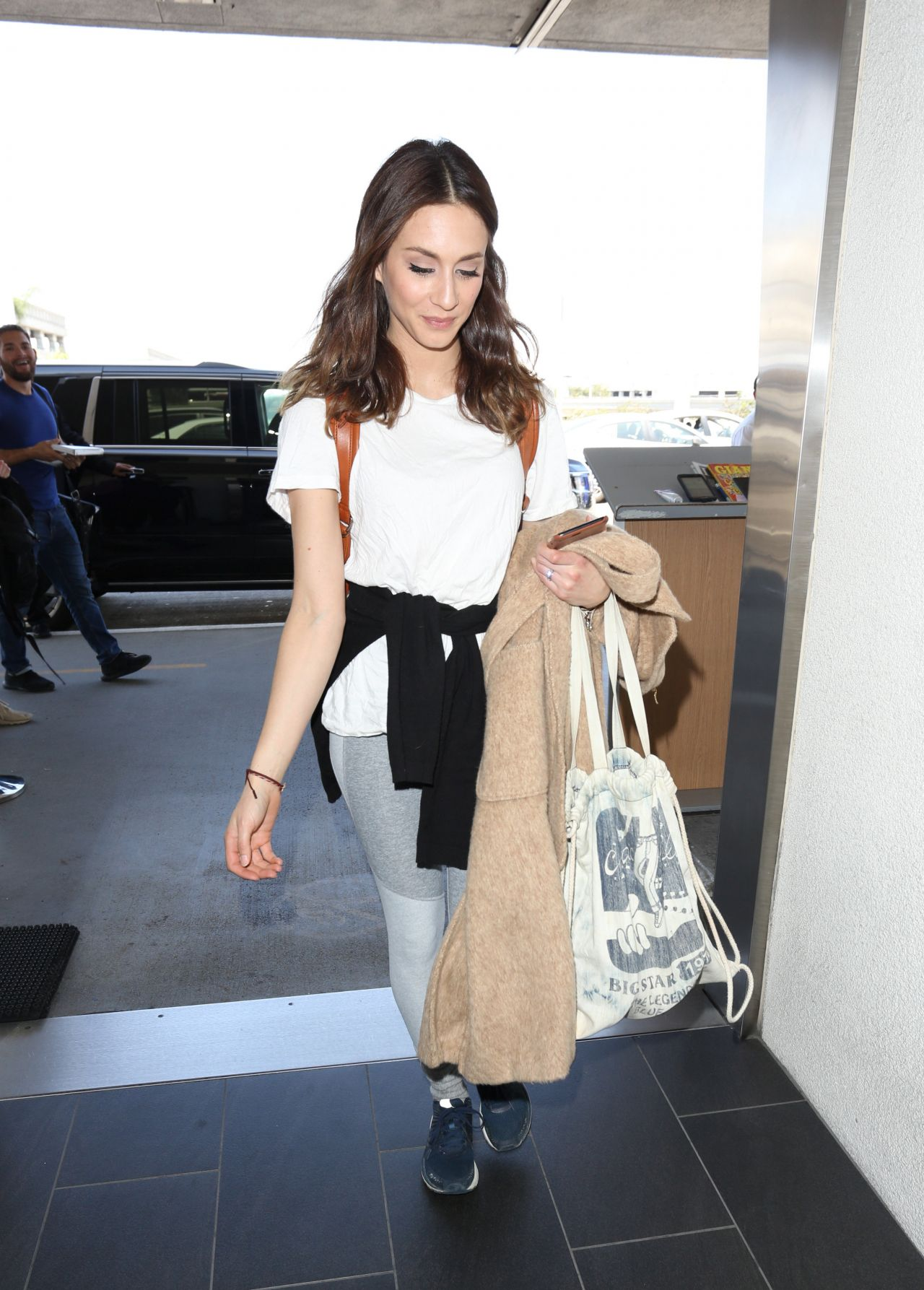 Troian bellisario travel outfit at lax airport nude (43 photo), Twitter Celebrites pics