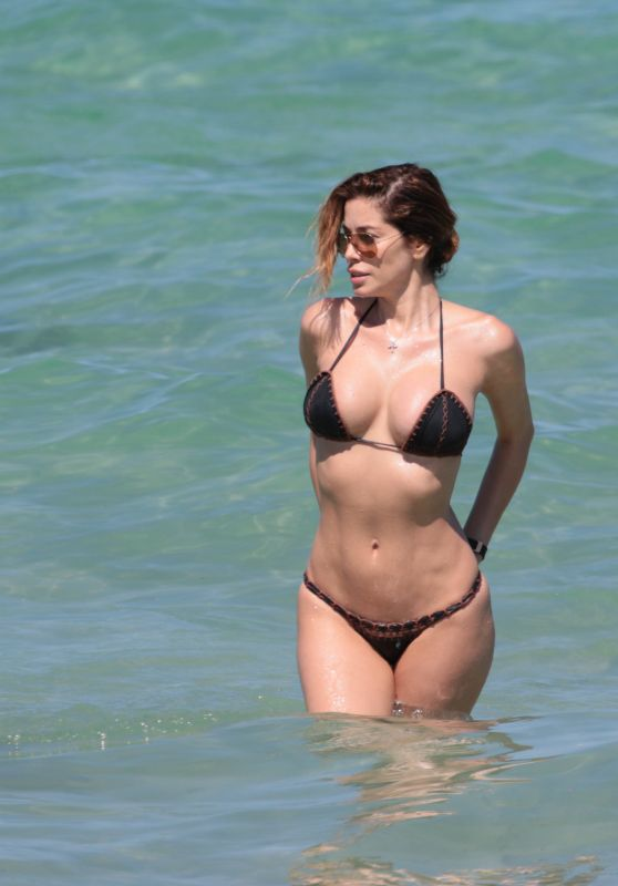 Aida Yespica Bikini Photos - Beach in Miami, May 2017
