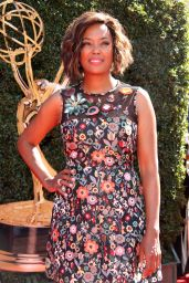 Aisha Tyler – Daytime Emmy Awards in Los Angeles 04/30/2017