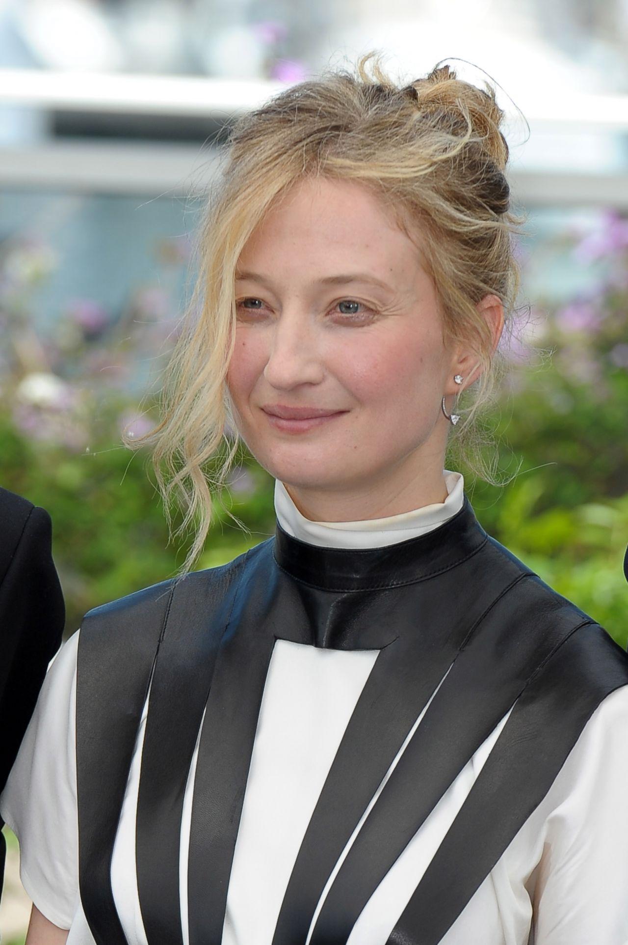 Alba Rohrwacher | Celebrities lists.