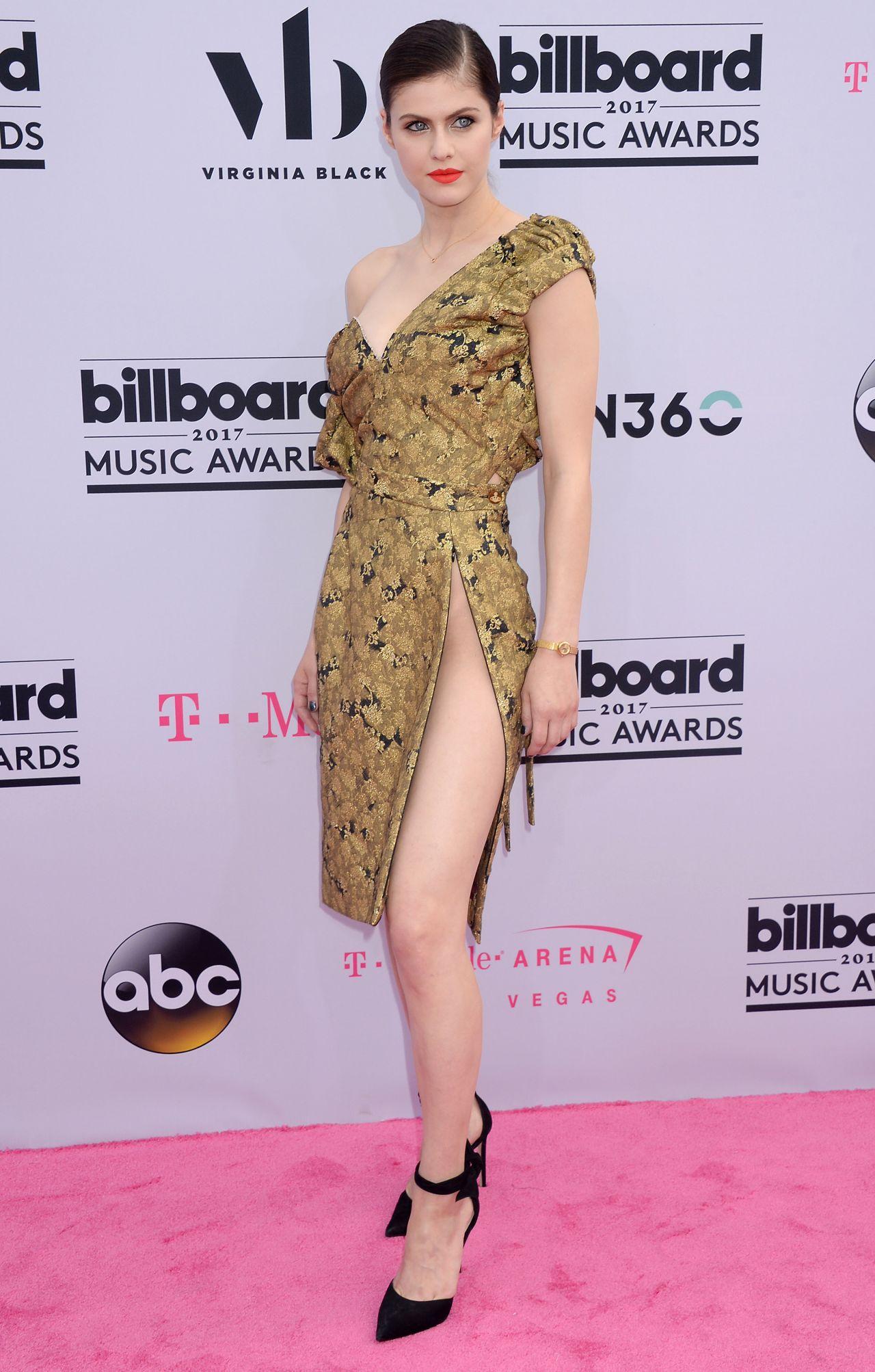 Alexandra Daddario - Billboard Music Awards in Las Vegas 05/21/2017 • CelebMafia